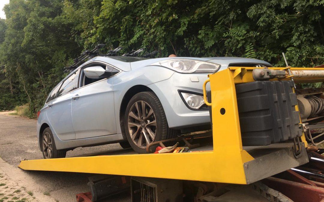 Autópálya autómentés M6 – kuplung hibás autó